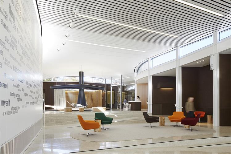 طراحی دکوراسیون قسمت های اداری و آپارتمانی