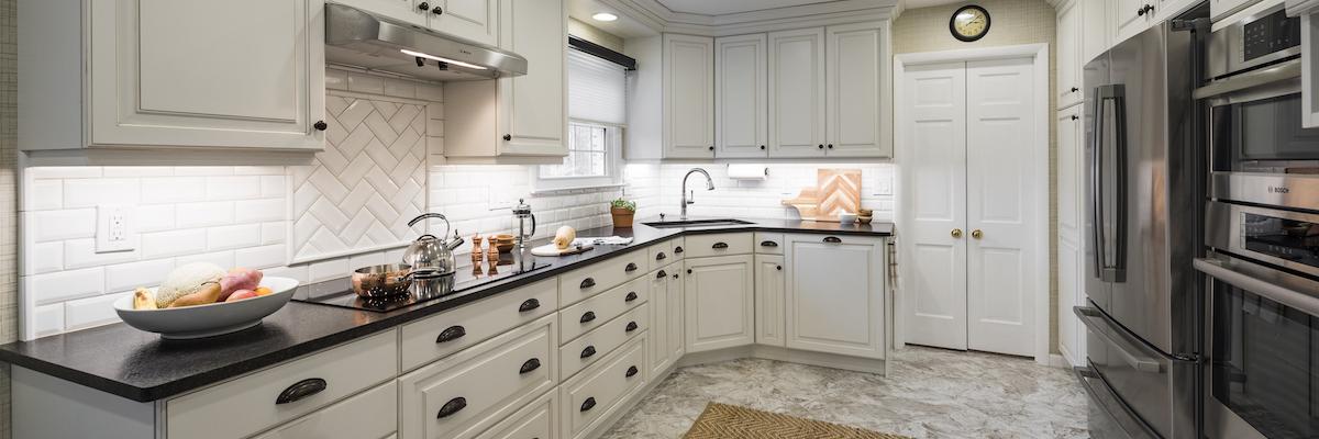 استفاده بهینه از فضا؛ طراحی فضای خواب بالای آشپزخانه